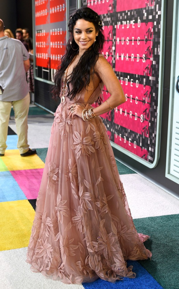 10/10 Vanessa Hudgens in a breathtaking blush coloured gown by Naeem Khan. Larry Busacca/ Getty Images